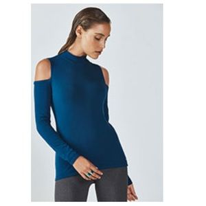 Fabletics iris cold shoulder top